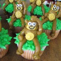 Monkey buttercream cupcakes