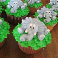 Elephants buttercream cupcakes