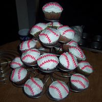 Baseball Cupcakes I made these for my sister. she had an end of the season baseball party for her sons team.