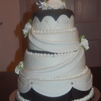 Black White Weddiong Cake