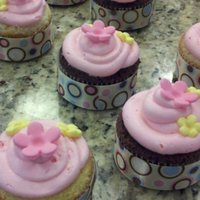 Baby Shower Cupcakes Fondant cut out flowers and ribbon wrapped around cupcakes!!!