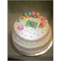 Buttercream With Fondant Bugs And Blocks