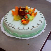 Fruitcake My first cake in fondant