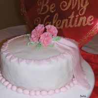 Valentinecake1.jpg Made this cake for Valentine's for practice, it was a dummy cake.