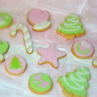 Pink And Green Christmas NFSC and Antonia74 Icing. I used stencils for the round cookies.