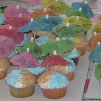 Beach Cupcake I made these for my daughter's 5th birthday party. It was a pool party.