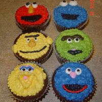 Seasame Street Cupcakes Seasame Street characters: Elmo, Cookie Monster, Burt, Grouch, Grover, and Zoe (NOT PICTURED).