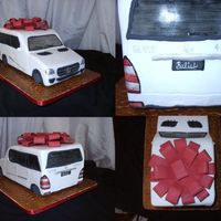 Mercedes Benz Gl450 This is a more detailed picture of the Mercedes. This was such a fun cake to make!