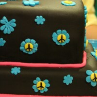 Peace & Flowers Cake   Chocolate MMF