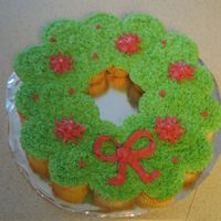 Wreath Cupcake Cake My first cupcake cake! 21 cupcakes frosted in buttercream.
