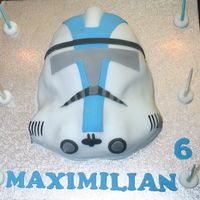Clone Trooper This cake I make for my oldest sun for his Star Wars themed Party. It is all fondant