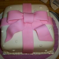 Bow Cake Another practice cake i liked this one but it was befor i discovered mmf it was wilton akk