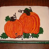 Pumpkins2_Copy.jpg I did this cake tonight in class. I didn't have time to put a border on it... and didn't feel like it when I got home. LOL I wish...
