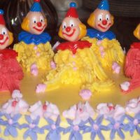 100_1057.jpg its a clown cake