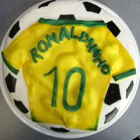 Ronaldihno T-Shirt   All made with fondant, vanilla with buttercream ... thanx for watching !