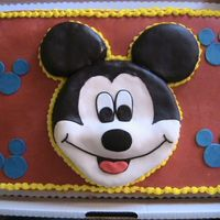 Mickey Mouse Cake I was really hoping to do the design where Mickey is sitting on the cake, and got all the directions from some great ladies here on CC. But...