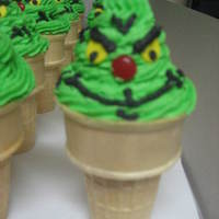 Grinch Cup Cake