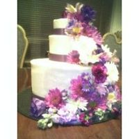 33.jpg   this was my 2nd wedding cake w/fresh flowers