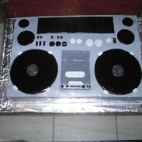 Boombox   i had so much trouble with the fondant. it took forever to dry out