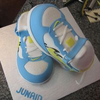 3D Nikes Customer brought in a pic of some custom made nikes stacked together, This was my cake version