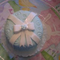 Mini-Cake With Bow