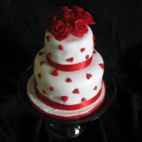 Mini Cake With Red Roses