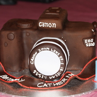Canon Eos 550D Cake I made for the daughter of a lady at work who was getting the camera as a gift for her birthday. K. was very excited that I was making...