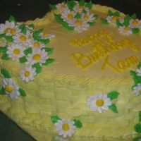 Heart Birthday W/daisies Buttercream with royal icing daisies