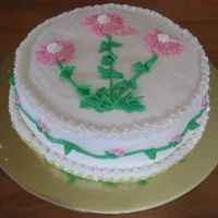 Daisy Cake This my very first attempt at decorating a cake during a buttercream class