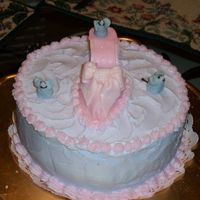 Cinderella's Shoe My first attempt at 3D. Shoe is part fondant and gum paste. The mice are butter cream icing.