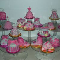18 Mini Debutante Cakes Another 18 mini cakes for the debutante's 18 candles to blow, this time in pastel pink. (I had posted a similar theme in fuschia,...