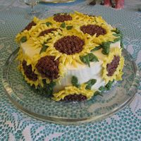 Sunflower This is done in BC. I used chocolate wafer cookies and oreos covered in chocolate BC to make the centres of the flowers.