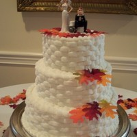 Sweet Basket Weave Cake Basket weave pattern with the leaves & topper for a fall wedding