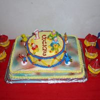 1St Birthday Cake~Sesame Street Circus I am just getting started to this cake thing and love it! This was for my daughters first bday....hope to someday have my cakes look...