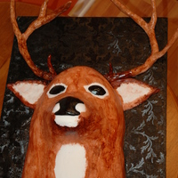 Deer Head For Groom's Cake Groom must love to hunt! I thought this was pretty funny - had a ball making it. Thanks for the inspiration to all of those who have done...