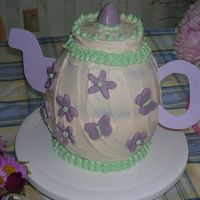 Teapot Cake I made this cake for my dd's 6th birthday.