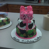 Girly Country Cake i did for a student. Was very rushed so it didn't turn out as good as i would like.