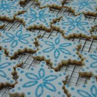 Snowflake Cookies This is NFSC recipe, and Toba's glace.