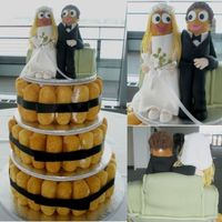 Twinkie Wedding Cake Yep, they are Twinkies. Handmade gown and tux from fondant. The sofa is Twinkies, upholstered in fondant.