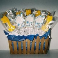 House & Keys I made this for some local realtors to give as a gift. This is a 20 cookiebouquet with little houses and gold keys.