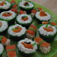 """sushi"" Cupcakes Here's my interpretation of ""sushi"" in cupcakes and rice krispy treats.... they were fun to make"
