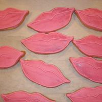 Brat Lips I did these cookies for a BRATZ theme party. They are NFSC with royal icing and luster dust. I thought it was a great idea.