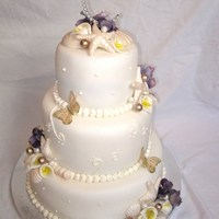 Seashell And Calla Lillie Wedding Cake