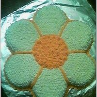 Crazy Daisy This was a just for fun cake. Crazy daisy made with star petals, rosette center, and shell border.