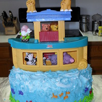 Noah's Ark Friend asked for an ocean cake to put Noah's Ark on. I did leard it takes lots of frosting ot make waves. TFL