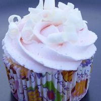 White Chocolate Raspberry I have forgotten who posted about using the White Chocolate Raspberry Creamer in cake but thank you! I also used some in the buttercream--...