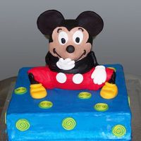 121105300276682.jpg all buttercream with fondant acents