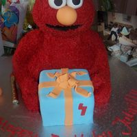 3D Elmo  Elmo for Jahrilly , Boy did this cake take forever to pipe my wrist still hurts..... LOLI know next time what to do and what not to do if i...
