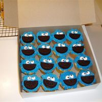 Cookie Monster Cupcakes Thank you, awolf24, for the idea and the help!!! These were so much fun to make!!!