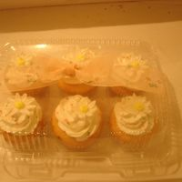 Picture_166.jpg I made these 60 of these cupcakes for a Fundraiser event -- Jewelers For Children -- Donating to Make A Wish Foundation, St. Judes, and...